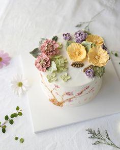 스카비오사. 포피. 스톡. 목수국. 거베라. 헬레보루스. 3주차에 만나는 꽃들 _ 3nd. Advanced class Buttercream flowercake _ #buttercreamcake #buttercreamflowercake #koreaflowercake #koreanflowercake #flowercake #플라워케이크 #플라워케익 #대구플라워케이크 #메종올리비아 #버터크림케이크 #버터크림플라워케이크 #버터케익 #버터크림플라워케익