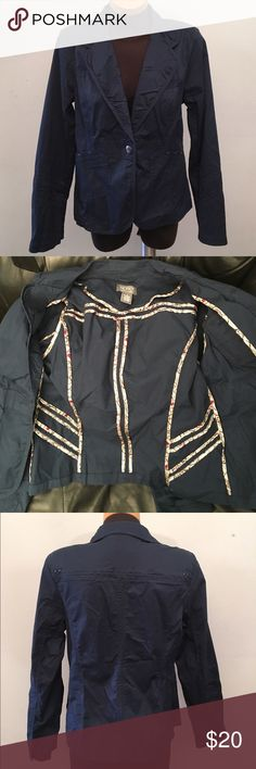 MOTTO Blazer Cute collar, Navy Blue. Excellent Condition. I'm kind of upset cause the pictures do not do this justice...it's much prettier in person!!!! 98% Cotton, 2% Spandex (exclusive of trims) MOTTO Jackets & Coats Blazers