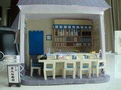 ドールハウス寿司屋さん(キッチン カウンター 鮮魚 食器棚 いす お寿司 あがり ビール瓶 熱かん ます酒 たまご焼き おばんざい) 無料素材 ダウンロード | ペーパーミュージアム
