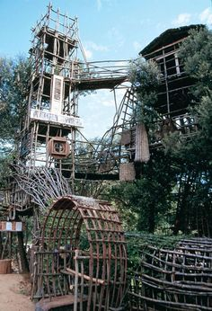 Spanish self-taught art environment builder #JosepPujiulaiVila was recently flown to New Zealand as a finalist for the International Award for Public Art. His work was chosen from 125 projects worldwide. Pujiula is the only self-taught artist ever included in the competition. His labyrinth and tower constructions near #Argelaguer, Catalonia were honoured at the ceremony with an award of special distinction. #artenvironment #outsiderart #RawVision