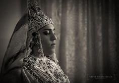 Retrato de una novia Marroquí/Portrait of a Moroccan Bride 👰. Recuerdo de mi viaje a Marruecos en el que asistí a una boda/Remember of my trip to Morocco where I attended to a wedding. www.brunofinsterbusch.com