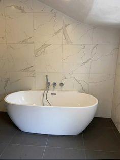 370 Ideeen Over Badkamer Tegels In 2021 Tegels Badkamer Tegelen Badkamer