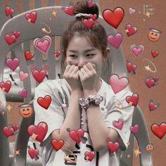 38 Ideas For Memes Heart Red Velvet Red Velvet Seulgi, Red Velvet Irene, Kpop Girl Groups, Kpop Girls, Blackpink Memes, Funny Memes, Heart Meme, Cute Love Memes, Wholesome Memes