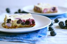 Lemon blueberry cheesecake bars - I love lemon, love blueberries, love cheesecake. My default I should like these. Bake Blueberry Cheesecake Recipe, Lemon Cheesecake Bars, Blueberry Topping, Cheesecake Recipes, Dessert Recipes, Blueberry Bars, Lemon Bars, Dessert Bars, Spring Desserts