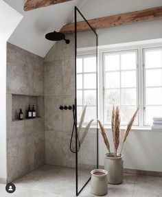 Home Decor For Small Spaces Modern and really simple bathroom. The tiles go perfectly with our Automatic Toothpaste Dispenser.Home Decor For Small Spaces Modern and really simple bathroom. The tiles go perfectly with our Automatic Toothpaste Dispenser. Bad Inspiration, Bathroom Inspiration, Home Decor Inspiration, Decor Ideas, Minimal Bathroom, Simple Bathroom, Earthy Bathroom, Wc Bathroom, Colorful Bathroom