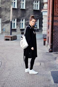 今日のコーデ: DKNYバックパック & Reebok クラシック | FashionLovers.biz