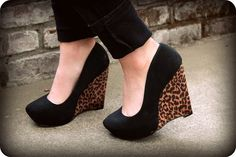 Pinup Fashion: wedges with a touch of cheetah.