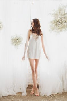 An urban organic lace bridal boudoir session that will be great inspiration for minimalist, modern brides. You'll love the lace details from this elegant bridal photo session.  #bridalboudoir  #bridalsession  #lacebridalboudoir  #organicbrideinspiraiton