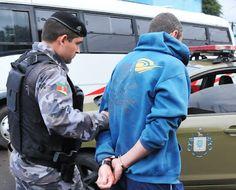 POLICIAMENTO METROPOLITANO - BM - RS: A vida dificil do traficante de drogas na região m...
