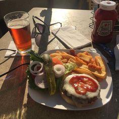 My afternoon entrepreneurial lunch. @britanniaarms #capitolavillage #Santacruz