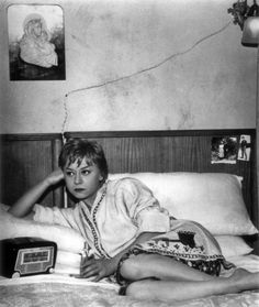 Fellini; Nights of Cabiria;  Google Image Result for http://25.media.tumblr.com/tumblr_lwbyubvcK81qf7r5lo1_500.jpg