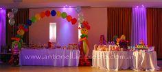 Table dessert. Circus party. Payasos. http://antonelladipietro.com.ar/blog/2012/06/el-circo-de-los-trillis/
