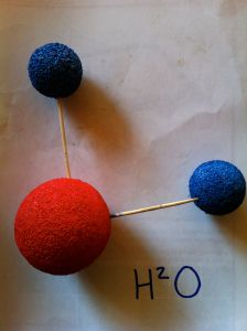 Making models of atoms & molecules with kids.  8_3B