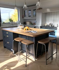 lmost there with the kitchen / diner - cant wait to share the final room with you all. Sorry its taken so long but there are lots of Kitchen Island Decor, Kitchen Cabinet Design, Home Decor Kitchen, Kitchen Interior, New Kitchen, Home Kitchens, Kitchen Islands, Small Kitchens, Interior Modern