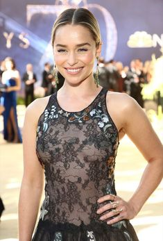 Emilia Clarke,very beautiful Emilia Clarke Hot, Emelia Clarke, Beautiful Celebrities, Beautiful Actresses, Beautiful People, Beautiful Women, Hollywood Celebrities, Hollywood Actresses, Emilia Clarke Daenerys Targaryen