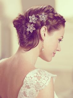 35 Short Wedding Hairstyles for Women @Brianna Anderson