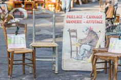 We loved these chairs we spotted at Villeneuve-les-Avignon Retro Furniture, Antique Furniture, Antique Market, Mid Century Furniture, Chairs, France, Interiors, Marketing, Table Decorations