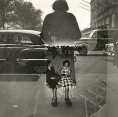 Untitled, Self-portrait, 1954, par Vivian Maier.