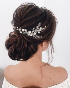 39 Gorgeous Wedding Hairstyles For the Elegant Bride Gorgeous Wedding Hairstyles For the Elegant Bride - Updo Bridal hairstyle Featured Hair Stylish : elstilespb. Wedding Hair Half, Wedding Hair Pieces, Wedding Hair And Makeup, Wedding Updo, Wedding Hair Accessories, Bridal Hair Updo, Wedding Hairstyles For Long Hair, Bun Hairstyles, Bride Hair Updo With Veil