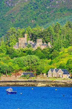 Plockton, Scotland - Amazing Travel Photos, the best pictures of Pinterest.