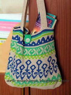Stunning tapestry crochet bag no patterns just inspiration! Tunisian Crochet, Filet Crochet, Crochet Motif, Crochet Yarn, Crochet Stitches, Crochet Handbags, Crochet Purses, Mochila Crochet, Tapestry Crochet Patterns
