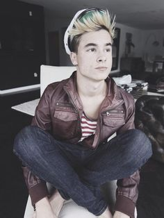 lawley singles & personals Mgcn-jnskns this blog consist of 45% magcon, 20% all time low,  can you do a what it would be like dating kian lawley sure :) dating kian would involve.