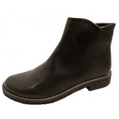 Black leather boots by Felmini, 9841
