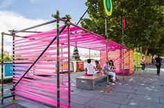 espacio público lleno de colores para brindar una emoción de alegría