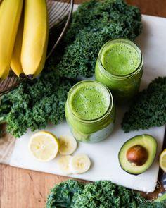 Avo Banana Kale Green Smoothie | SimpleGreenSmoothies.com