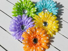 Check out this item in my Etsy shop https://www.etsy.com/listing/470253972/polka-dot-daisy-hair-clips-lime-orange