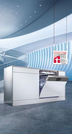 The #Siemens Stiftung Warentest winner #iQ500 dishwasher wins us over with its variety of functions. #varioSpeed Plus dries dishes up to 66% faster; the #varioFlex basket makes loading easier. What would you want more? // Glänzende Ergebnisse machen sich bezahlt: Unser #speedMatic Geschirrspüler überzeugt als Testsieger! Dank #varioSpeed Plus trocknet er Geschirr bis zu 66% schneller, mit #varioFlex findet jedes Geschirrteil seinen perfekten Platz. Was will man mehr? #enjoysiemens