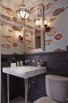 Toilettes marin et rigolo un beau papier peint vintage de poissons pour la déco des toilettes