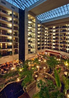 The Embassy Suites in Hunt Valley, MD is one of our favorite venues to perform Wedding Receptions.  The staff is eager to please, the food is great and the banquet rooms always look amazing! For more information on our Baltimore Area Wedding Disc Jockey Service visit www.SteveMoody.com