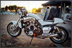 v max 1200 cafe racer Vmax Cafe Racer, Biker Love, V Max, Cafe Bike, Custom Wheels, Harley Davidson Bikes, Cool Bikes, Cars And Motorcycles, Motorbikes
