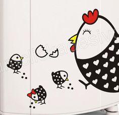 Adesivo decorativo de geladeira 149 galinha 25cm larg x 40cm alt + 4 figuras com 10cm o maior lado ************************************************************************************ - O adesivo é fabricado em qualquer das cores da tabela disponível no anúncio - Acompanha manual de aplicação - A espátula é vendida separadamente por R$5,00 - O adesivo só será produzido após comprovação do pagamento - O adesivo é enviado em até 3 dias úteis  FRETE GRÁTIS O envio grátis é feito por CARTA…