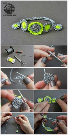Crochet Bracelet Pattern & Tutorial