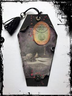 #Gothic #Grufti #EdgarAllenPoe #Blut #Vintage #VivelaVigo Edgar Allen Poe, Bottle Opener, Gothic, Vintage, Casket, Marque Page, Craft, Bottle Openers, Goth