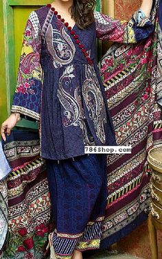 Pakistani Winter Dresses with prices online shopping in USA, UK. Salwar Designs, Kurta Designs Women, Mehndi Designs, Pakistani Dress Design, Pakistani Outfits, Pakistani Clothing, Stylish Dresses For Girls, Dress Neck Designs, Pakistan Fashion