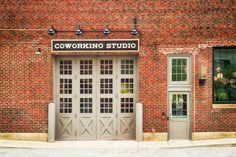 MatchBOX Coworking Studio is an event venue located in Lafayette, IN. Snappening helps you find the best Lafayette-area event, wedding and corporate meeting venues. Lafayette Indiana, Meeting Venue, Coworking Space, Virtual Tour, Event Venues, Entrance, Around The Worlds, Tours, Studio