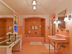 1940's pink bathroom in mint condition!  WOW!