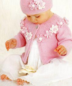 atemberaubende Strickmuster Baby set Größe Form Geburt bis 2 Jahre... 2 Strickjacken, lange und kurze Ärmel. Mütze und Stirnband. und Muster, Blumen und