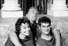 """Jean Simmons, Kirk Douglas and Tony Curtis on director Stanley Kubrick's """"Spartacus"""". 1960"""