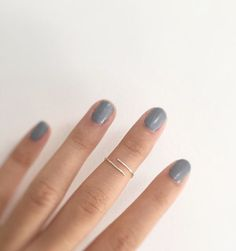 A refined equal sign midi ring.