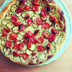 Vegan focaccia with lil tomatoes and zucchini :)
