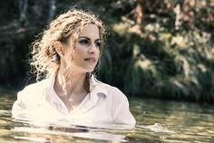 sesion en rio Daenerys Targaryen, Game Of Thrones Characters, Inspiration, Biblical Inspiration, Inspirational, Inhalation