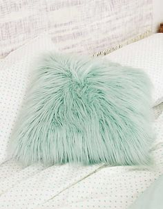 Break the rules of dorm décor! Dormify takes a fashion-forward approach to stylin' small spaces & ONLY carries products they're obsessed with. Teal Pillows, Fluffy Pillows, Throw Pillows, Bedroom Green, Dream Bedroom, Bedroom Decor, My New Room, My Room, Dorm Room