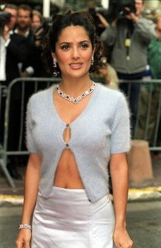 American actress Salma Hayek arrives for the premiere of the film 'My Life So Far' during the annual Cannes International Film Festival in France Salma Hayek Style, Salma Hayek Body, Salma Hayek Young, Telenovela Teresa, Selma Hayek, Zhang Ziyi, Milla Jovovich, Celebrity Look, Celebrity Photos