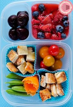 Sandwich bites make for a FUN lunch! with @EasyLunchboxes containers