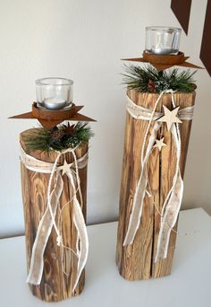 Altholz-Säulen mit Stern und Teelicht – Manos Mulb Set of 2 old wood columns with star and t Diy Candle Labels, Wood Columns, Homemade Christmas Decorations, All The Way Down, Diy Candles, Old Wood, Clay Art, Own Home, Plant Hanger