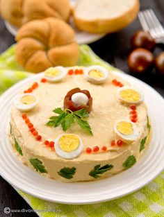 SALATE FESTIVE PENTRU SARBATORI | Diva in bucatarie Finger Food Appetizers, Finger Foods, Appetizer Recipes, Amazing Food Decoration, Salmon Recipes, Cheeseburger Chowder, Seafood, Hummus, Food And Drink